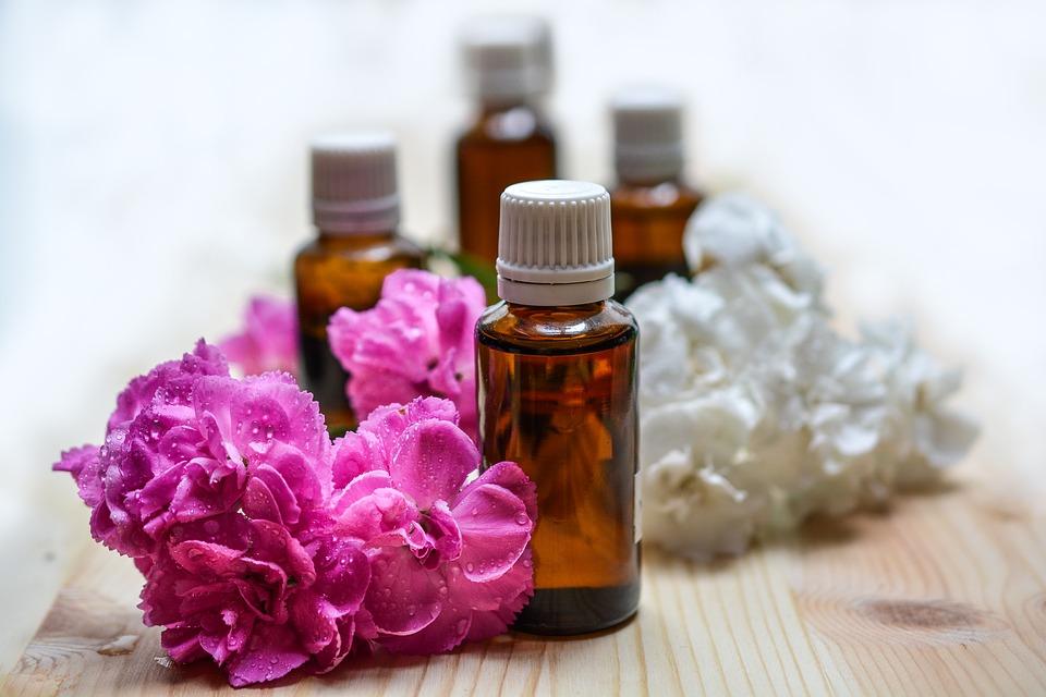 essential-oils-1433694_960_720